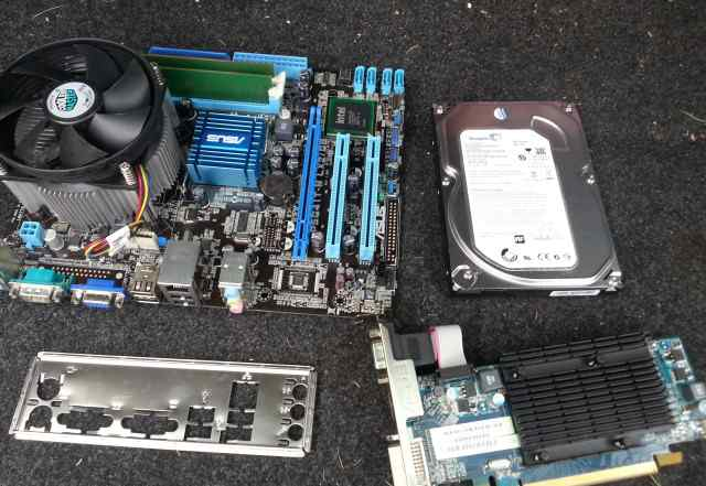 Asus P5G41T-M LX2/GB + intel E8400 + 4Gb DDR3 + HD