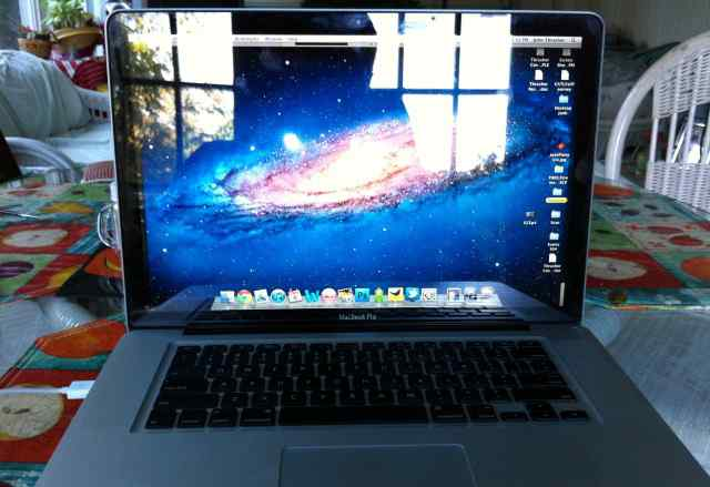 MacBook Pro 15 Дюимов 2011