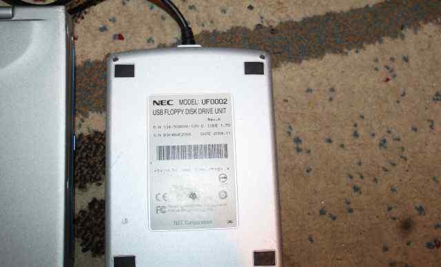 Внешний флоппи-дисковод для ноутбуков NEC UF0002