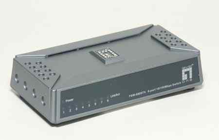 8 портовый 10/100 коммутатор Level One FSW-0808TX
