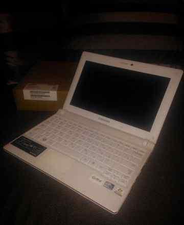 Нетбук Samsung N150-JP02