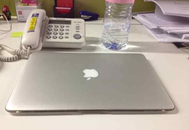 Apple Macbook Air (13 дюймов начало 2014)
