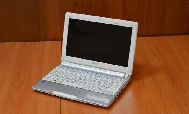 Acer Aspire One D257 современный красивый нетбук
