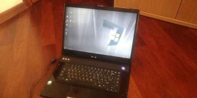 Экран LCD 17