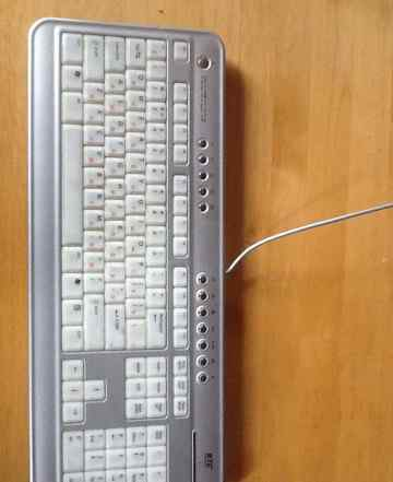 Клавиатура с приятной голубой подсветкой BTC