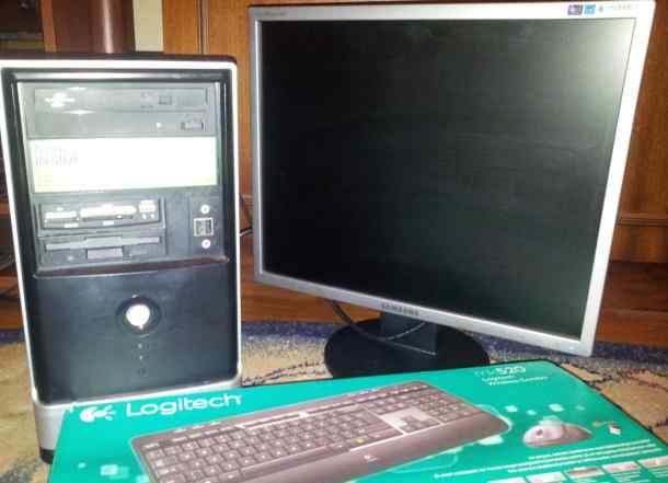Компьютерный блок с монитором