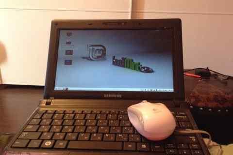 Samsung N150 Plus нетбук