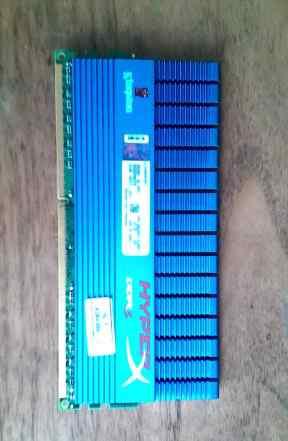 Kingston HyperX 8gb (2x4gb) 1600мгц 12800 Мб/с