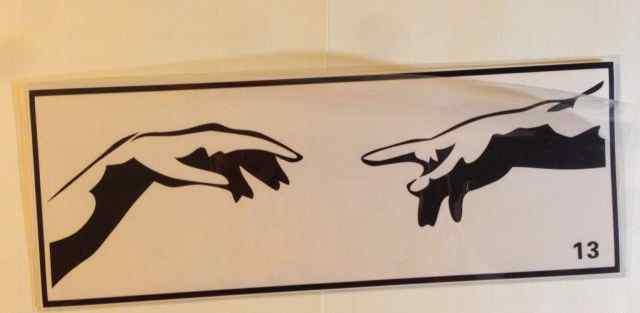 Виниловая наклейка Микеланджело для макбук