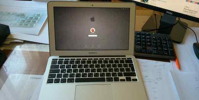 Mac Book Air 11