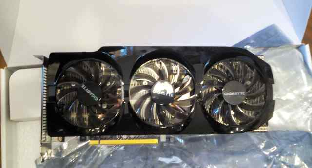 Шикарная gigabyte Radeon HD7870