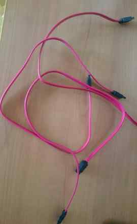 3 SATA провода