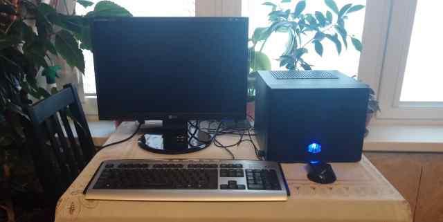 Компактный игровой компьютер с монитором 19 + кл+