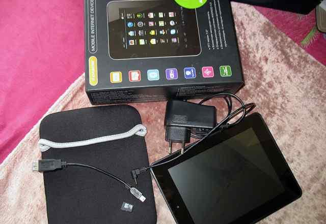 Планшет Digma iDx7 + 16 гб SD + кабель OTG + чехол