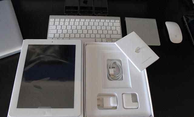 iPad 3 на 64gb 3G с retina дисплеем. Белый
