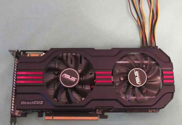 Asus GeForce GTX 560 dcii OC/2DI/1GD5