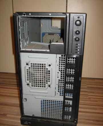 Старый серверный корпус с платой