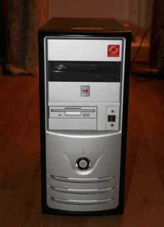 Игровой компьютер с монитором