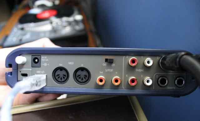Аудиокарта M-Audio Fast Track Pro USB