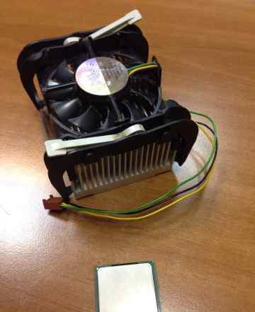 Intel Pentium 4 2.4 GHz (Socket 478) + радиатор