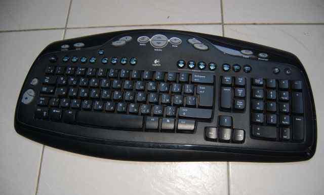 Беспроводная клавиатура Logitech Canada 210