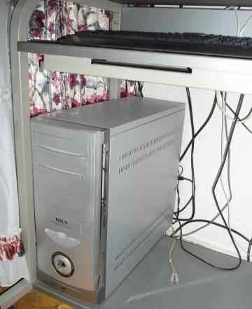 Pentium IV+ принтер HP+ стол для пк