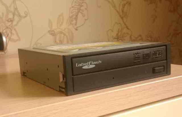 Оптический привод IDE dvdcd-RW /черный