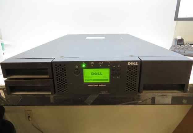 Dell PowerVault TL2000 с драйвом LTO-4