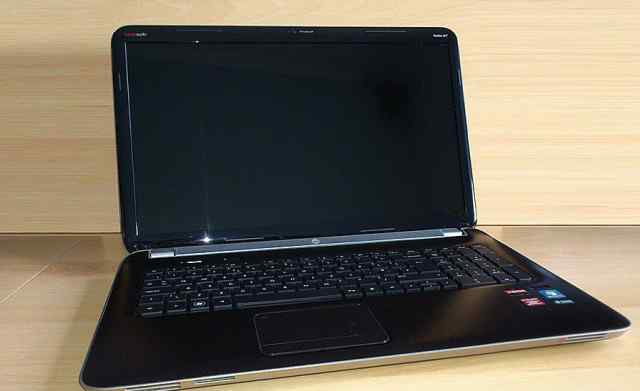 HP pavilion DV7 Core i7 8GB 17.3 128SSD, 750HDD