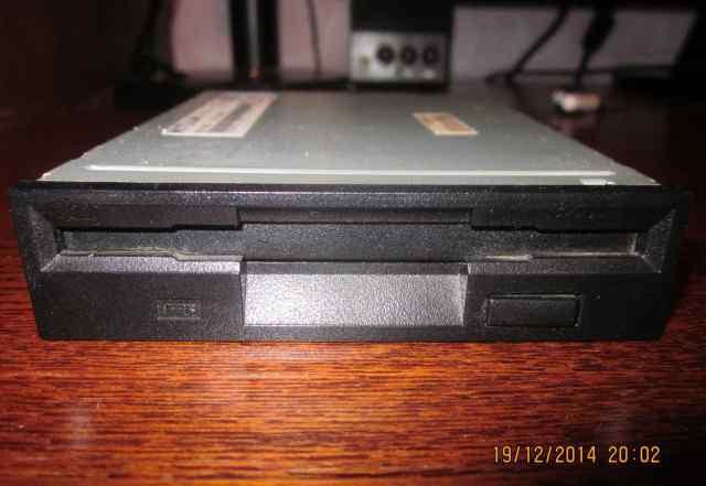 Флоппи-дисковод Mitsumi D359M3D