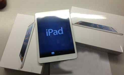 Apple iPad mini 2 64Gb Wi-Fi (Silver)
