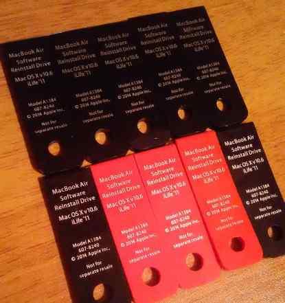 Комплект из 10 маленьких флешек USB