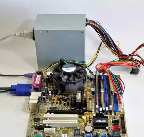 Asus P5GD1-VM с Celeron D 2.8, памятью и бл. пит