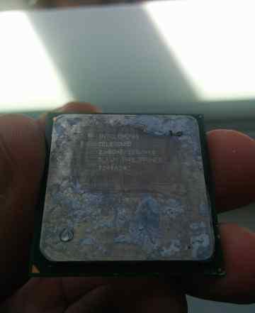 Intel celeron sl6w4 2.40GHz/128K/400 MHz 478 soket