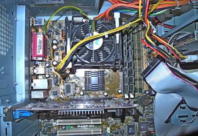 Asus P4SP-MX рабочая с гигом памяти и процессором