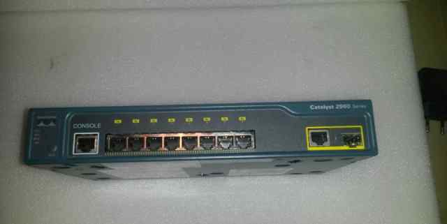 Cisco Catalyst 2960-8TC-L