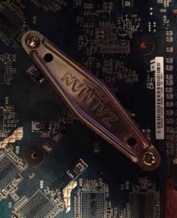 видео карту Asus GeForce GTS 250