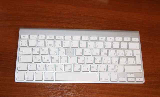 Беспроводная клавиатура Aple