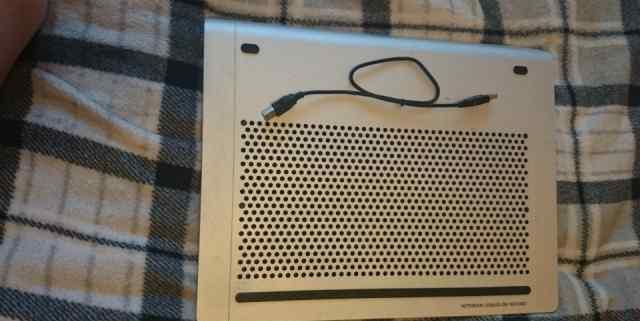 Теплоотводящая подставка Zalman ZM-NC2000