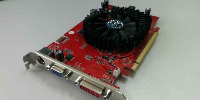 Видеокарта Palit GeForce 7600GT PCI-E 256 MB