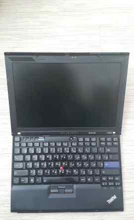 Lenovo x200s Легендарный надежный ноут