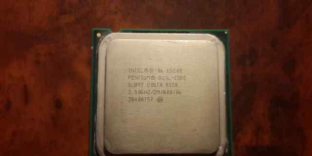 Intel Pentium dual-core E5200