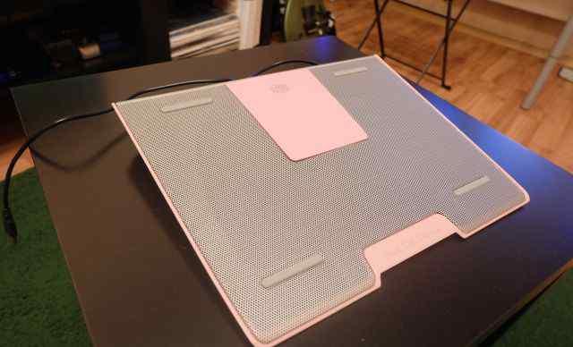 Охлаждающая подставка Cooler Master Notepal