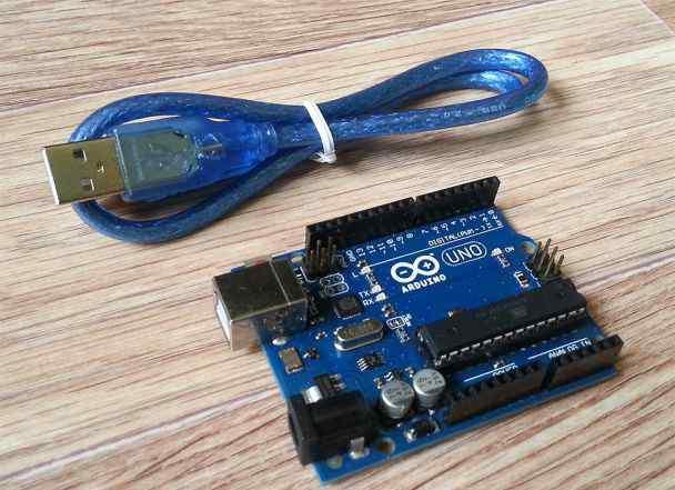 Arduino UNO R3 + USB-кабель (полный комплект)