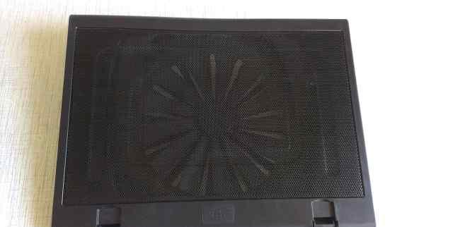 охлаждающую подставку для ноутбука deepcool