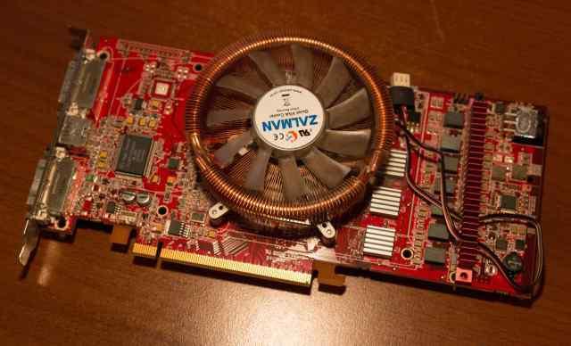 Sapphire Radeon X1900 XTX 675Mhz PCI-E 512Mb 1600M