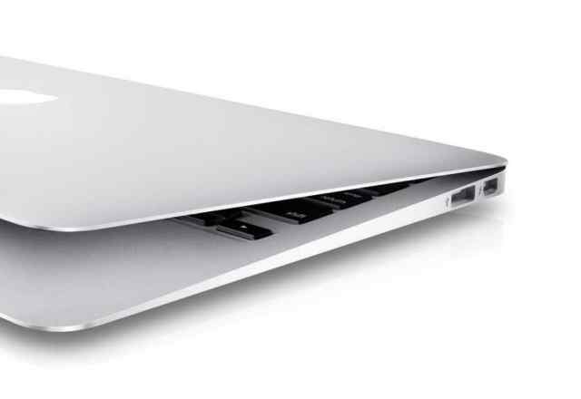 Ноутбук Apple MacBook Air 13 Early 2014 MD760RU/B