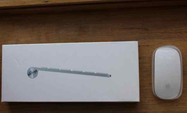 Клавиатуру Apple Keyboard и мышь Apple Magic Mouse