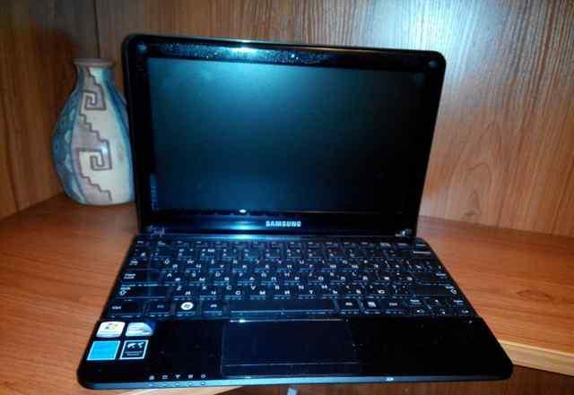 Нетбук Samsung NP-NC110