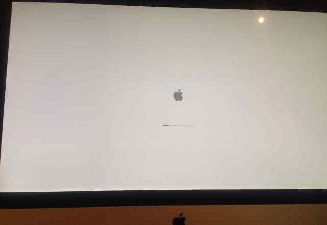 Продаю Apple iMac 27 mid 2011